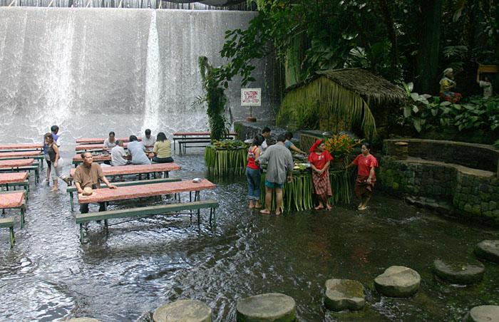 Quezon province travel guide Villa escudero quezon province